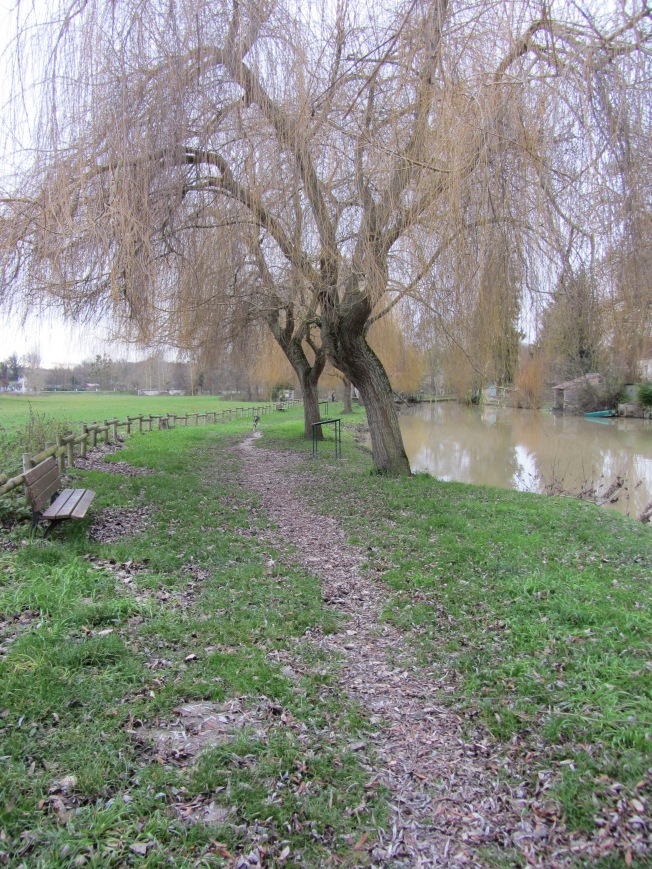 The pleasant walk along the river Indrois in Montresor