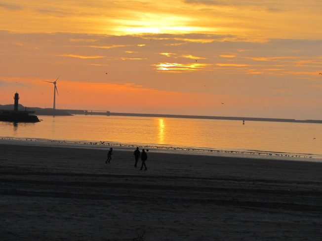 Spectacular sunset at Boulogne-sur-Mer