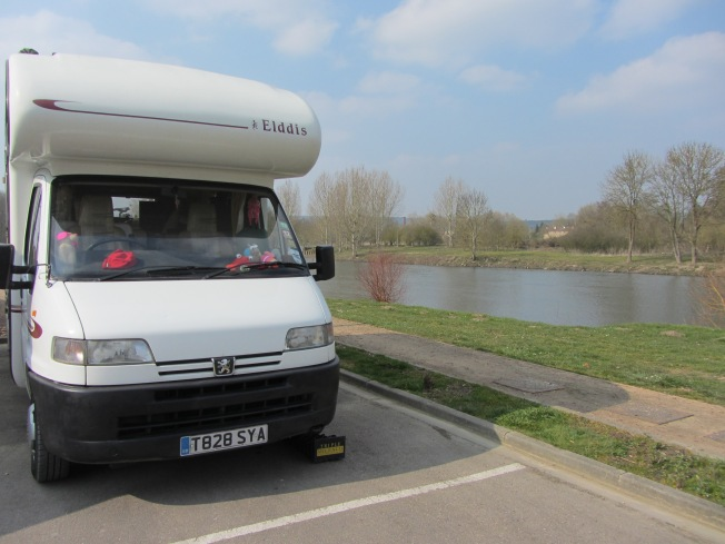 Prime parking spot right by the river Eure