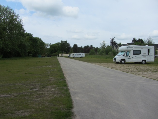 The spacious motorhome aire at Conty
