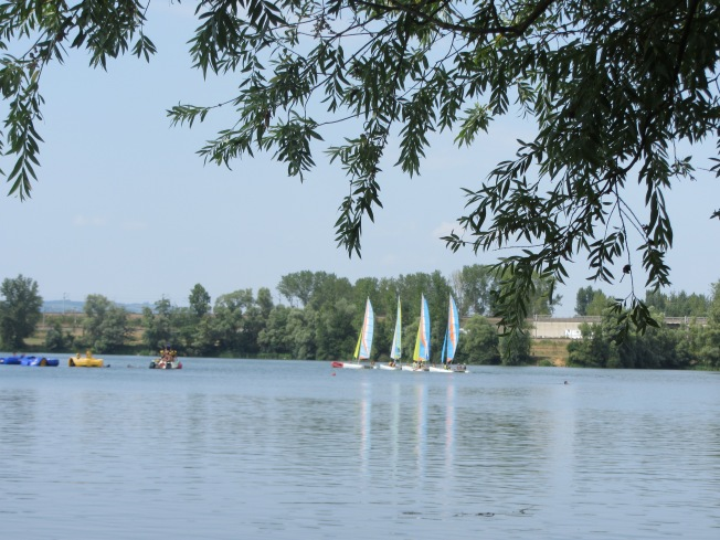 Sailing and pedal boats at Cormoranche-sur-Saone