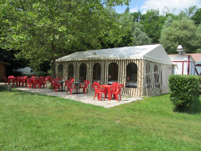 The restaurant at Velley-le-Sec campsite