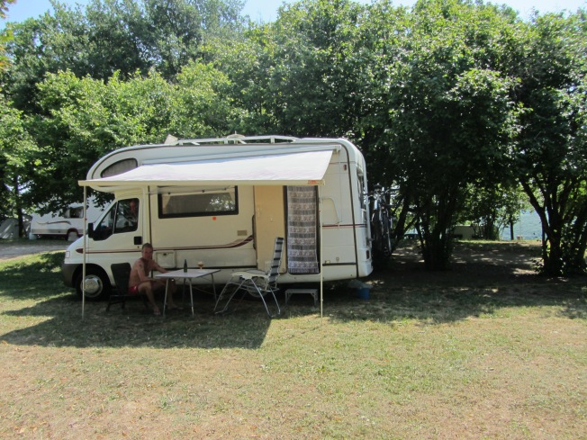Our shady spot at camping de Lugny only €10 a night.