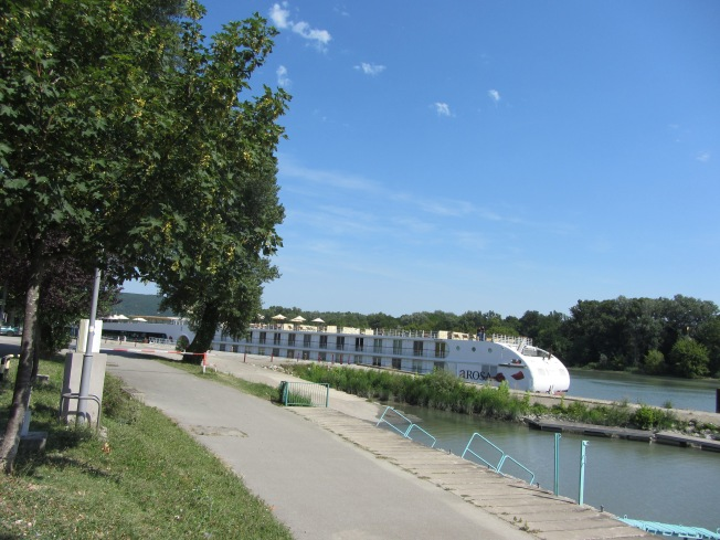 Port Fluvial at Viviers