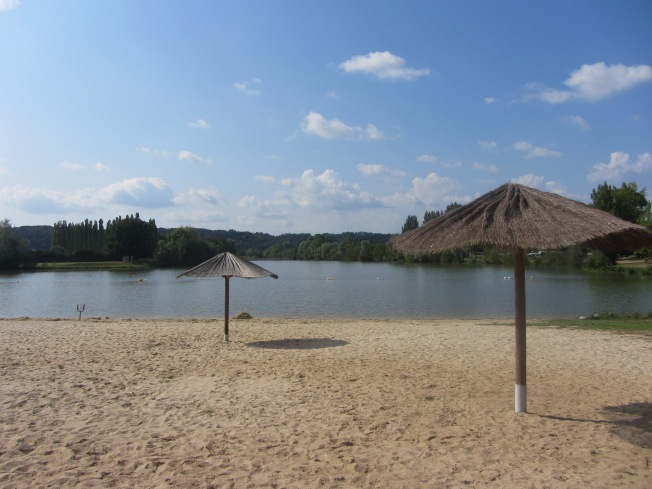 We just love it here, beautiful Lac des Varennes