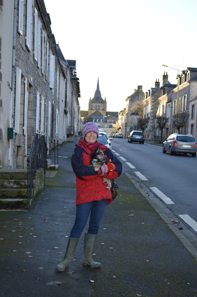 Walking in charming Fresnay-sur-Sarthe