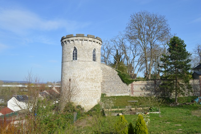 Old Wall Tower at Pont de l'Arche