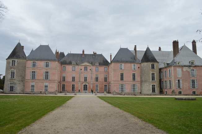 The modern façade of the chateau