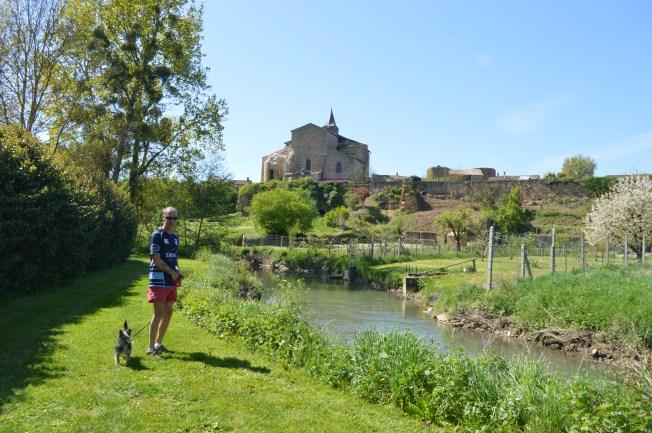A very pleasant walk around Château Larcher