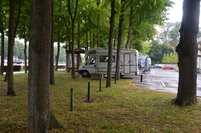 Parking under the trees by canal in charming Mareuil-sur-Ay aire.