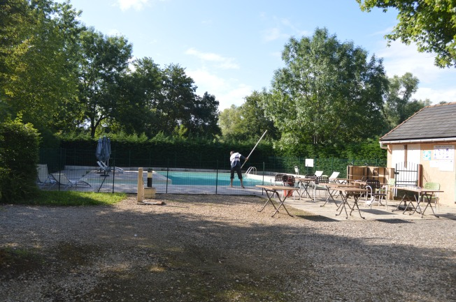 Bar and pool area t La Heronniere campsite