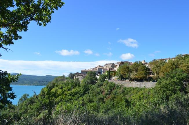 Ste Croix-du-Verdon from the lake