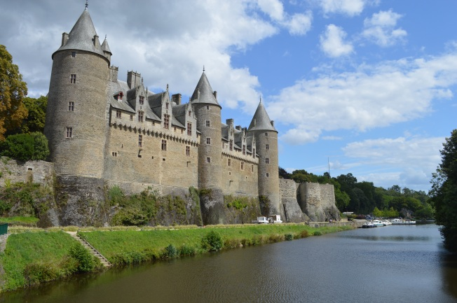 Josselin Chateau on the River Oise
