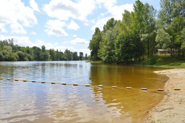 The swimming lake at St Christoly de Blaye