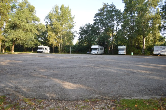 Shady motorhome aire at St Christoly de Blaye