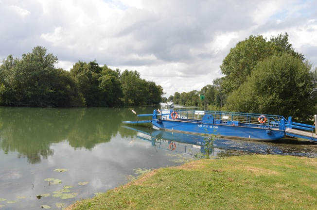 The 'bac' on the Charente, the last of its kind