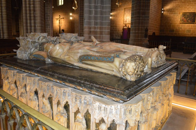 Tombs of Charles III and Eleanor of Castilla