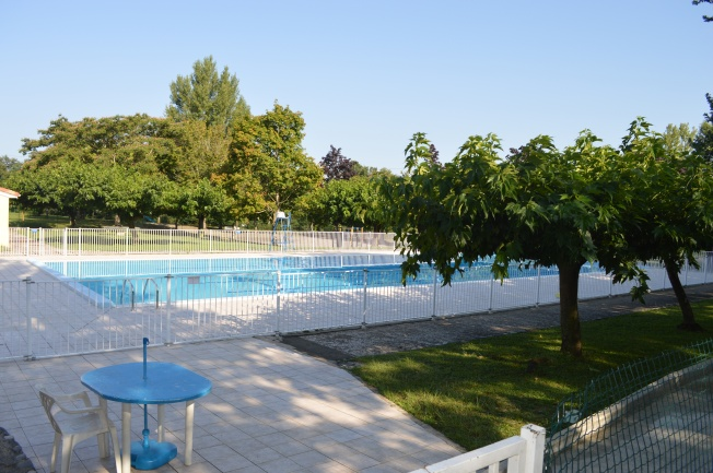 The large swimming pool at Plan d'eau de Rieux-Volvestre