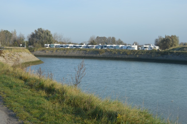 The large Motorhome aire right on the Bay