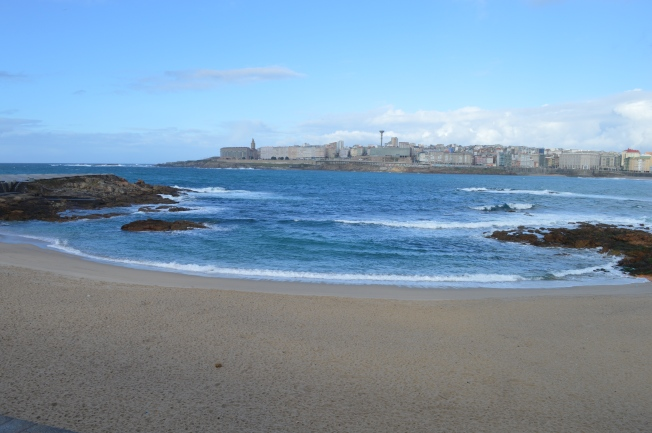 La Playa de Riazor, looking towards La Torre de Hércules