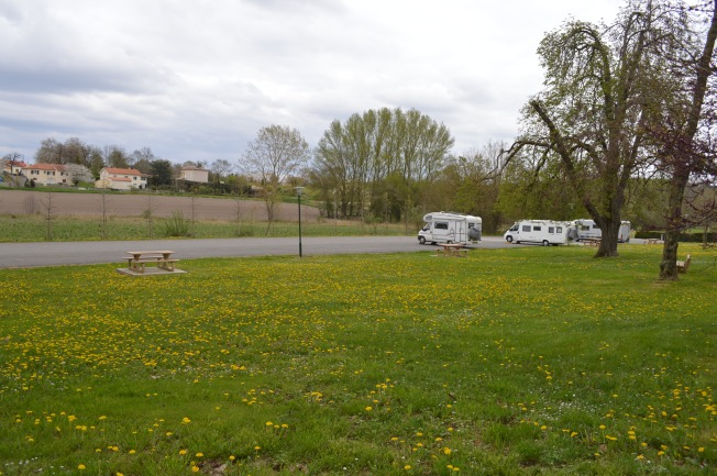 Roullet-St-Estèphe motorhome aire, surrounded by lovely fields