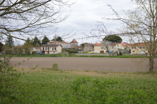 Roullet-St-Estèphe from motorhome aire
