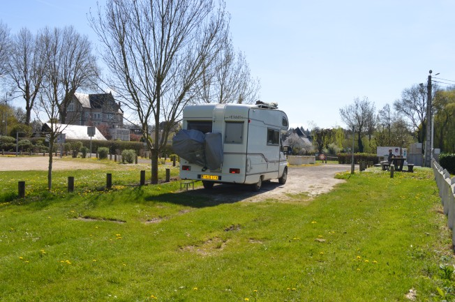 The small motorhome aire at Veigné
