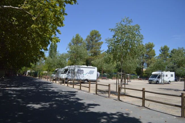 Motorhome aire at Sommières by arena