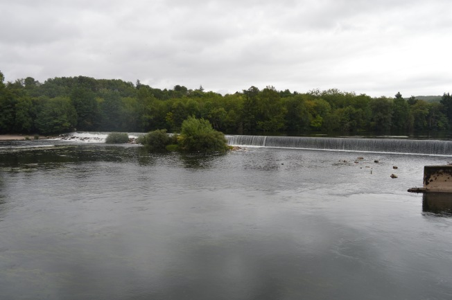 Weir at Albas dam