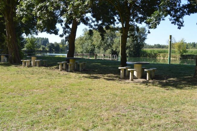 The picnic area by the Charente river outside campsite