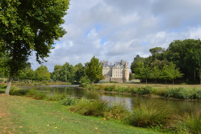 A gentle stroll around the gardens of Château de Brissac
