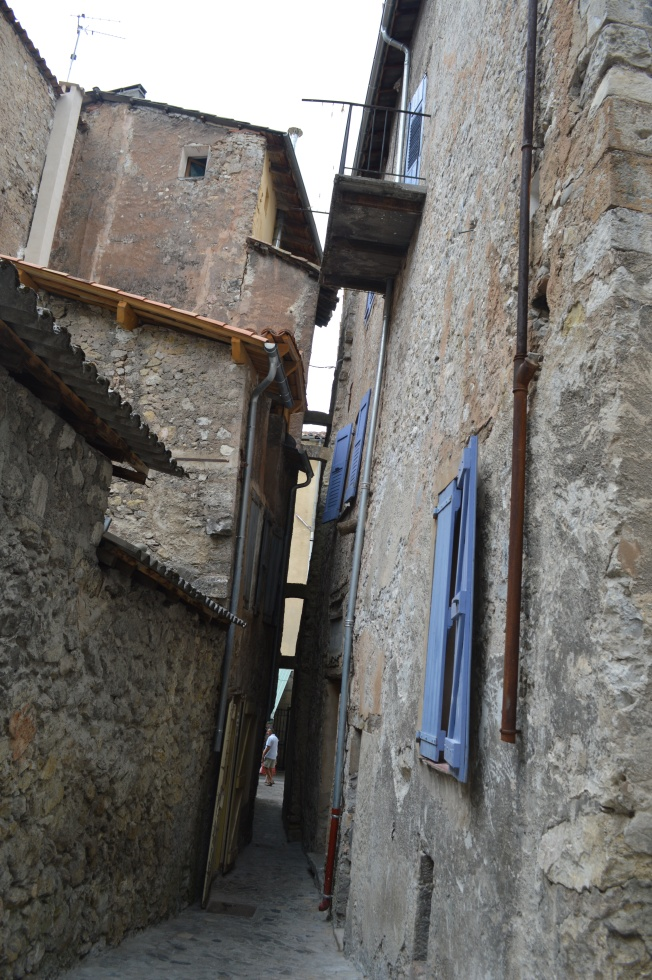 The impossibly narrow streets of Castellane
