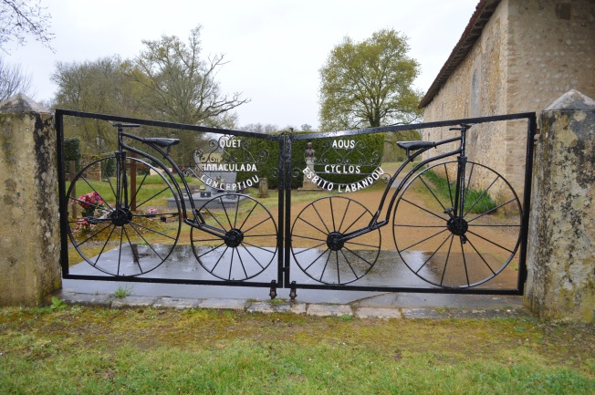 I loved this gate at Notre Dame des Cyclistes